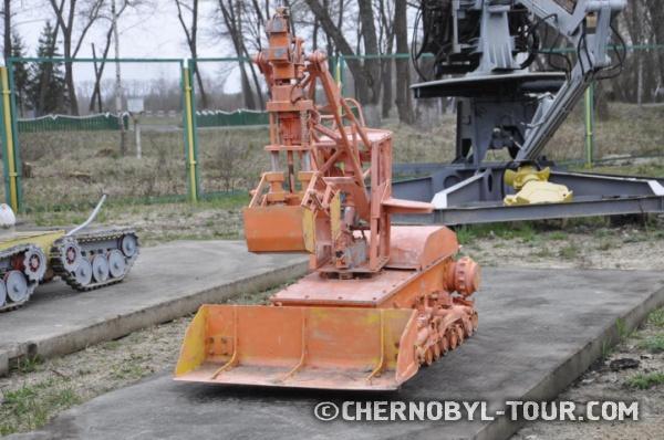 Роботы, очищавшие крышу 4 энергоблока